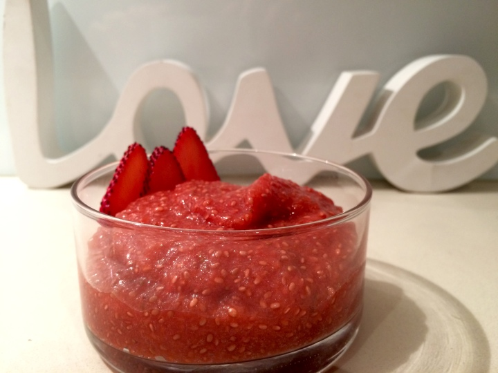 strawberry-apple-chia-pudding